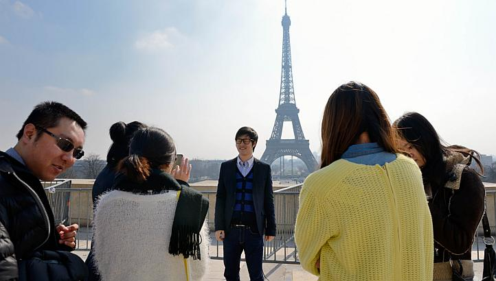 chinese-tourists-paris